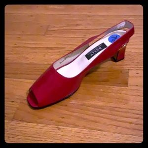 Value red sling back peep toe
